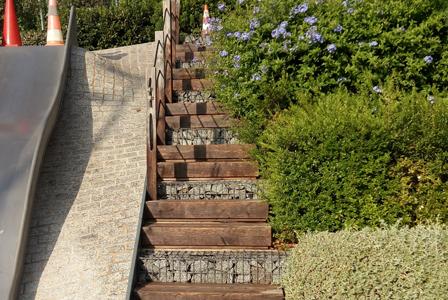 Escaleras madera antes