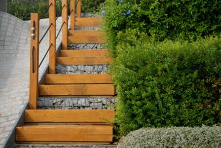 Escaleras madera después