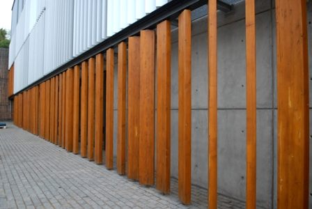 Fachada madera después