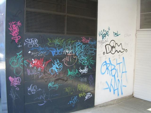 Comunidad de vecinos graffiti 5